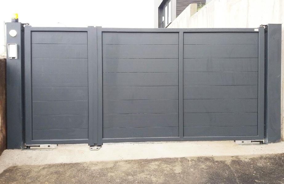 closeine r alisation portail battant alu vantaux inegaux. Black Bedroom Furniture Sets. Home Design Ideas