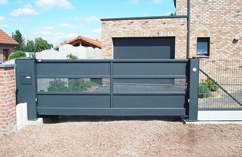 clopev r alisation portails coulissant et autoportant cloture en panneaux bifils plaque. Black Bedroom Furniture Sets. Home Design Ideas