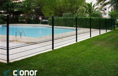 <p>Barrières de piscines CLORIVE</p>